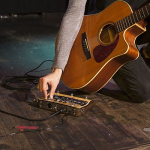 Acoustic Guitar Pedals & Effects
